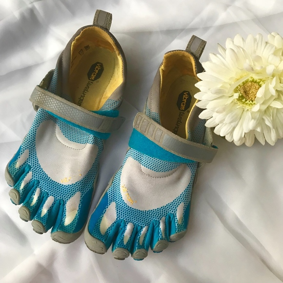 cheap for discount 90af4 e27b1 Blue Vibram Bikila Five Finger Running Sport Shoes.  M 5b144aca194dadc150d5b8e6